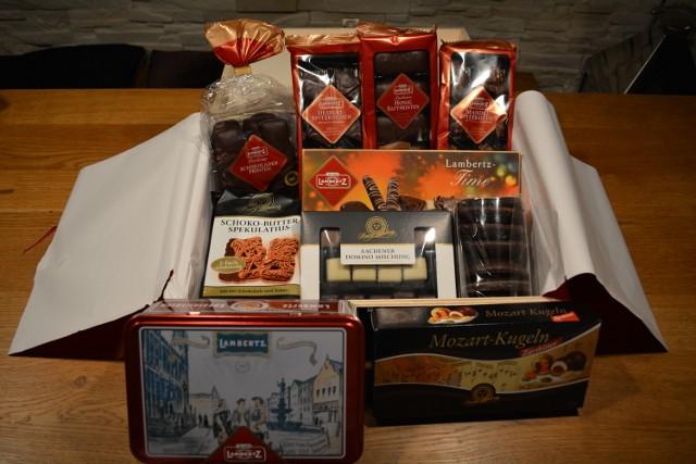 Lambertz Geschenk Holz-Truhe mit 1.7 kg Weihnachtsgebaeck 03