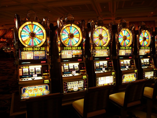 Männer lieben es zu spielen - Online-Casinos und Spielautomaten