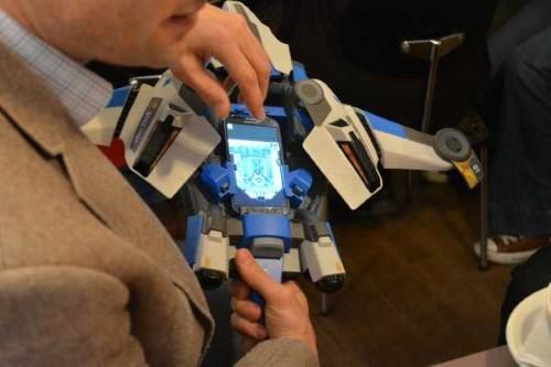Space Hawk ist mehr als nur ein einfaches Spielzeug (3)